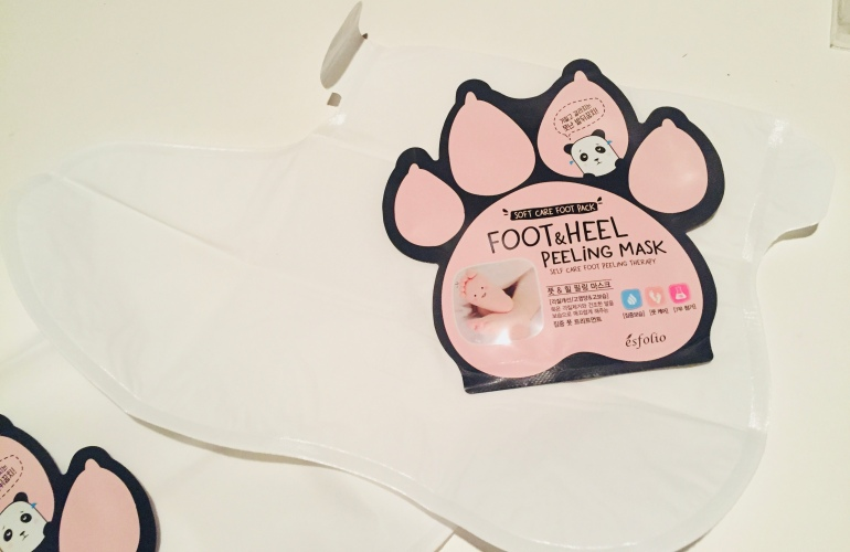 Esfolio Foot and Heel Peeling Mask Review | Tayler's Edit