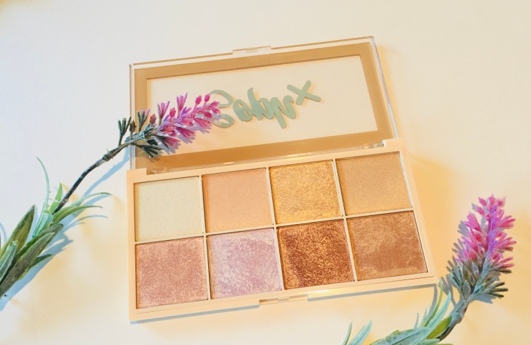 Makeup Revolution x Soph Highlighter Palette Review | Tayler's Edit