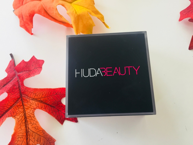 Huda Beauty Easy Bake Loose Setting Powder | Tayler's Edit