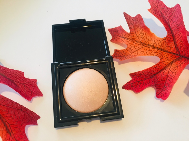 Laura Mercier Matte Radiance Baked Powder in Highlight 01 Review | Tayler's Edit