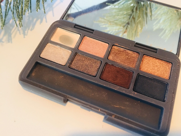 Stowaway Cosmetics The Dawn to Dusk Palette | Tayler's Edit