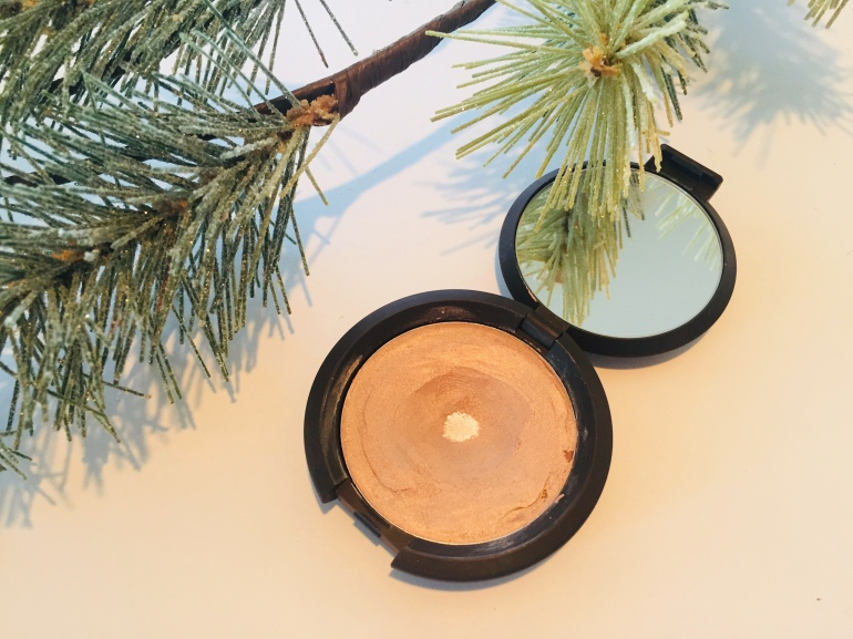 Becca Creme Highlighter in Champagne Pop | Tayler's Edit