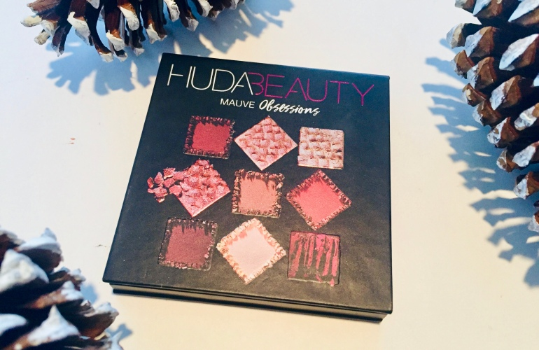 Huda Beauty: Mauve Obsessions Eyeshadow Palette Review | Tayler's Edit