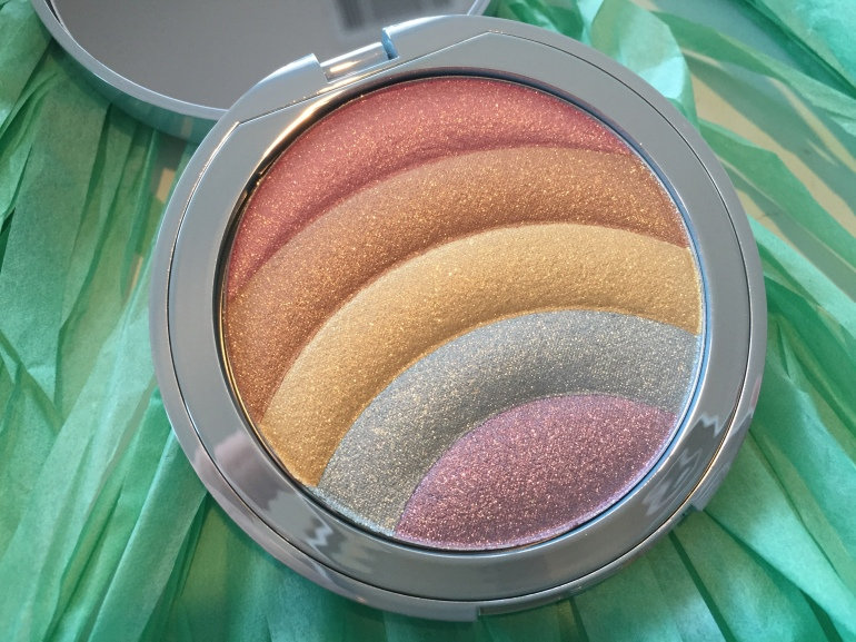 Too Faced: Rainbow Strobe Powder Highlighter Review | Tayler's Edit