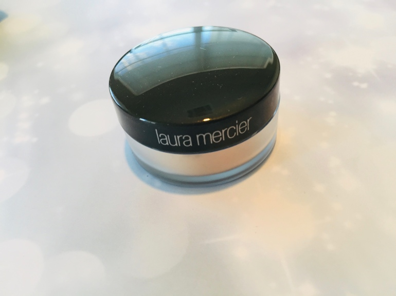 Laura Mercier Translucent Loose Setting Powder | Tayler's Edit