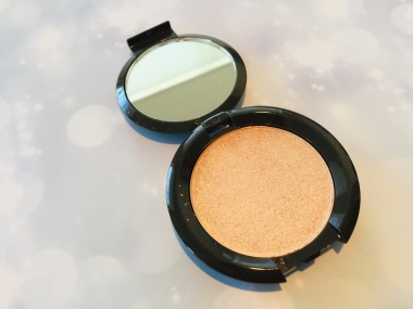 BECCA Shimmering Skin Perfector Pressed in Champagne Pop | Tayler's Edit