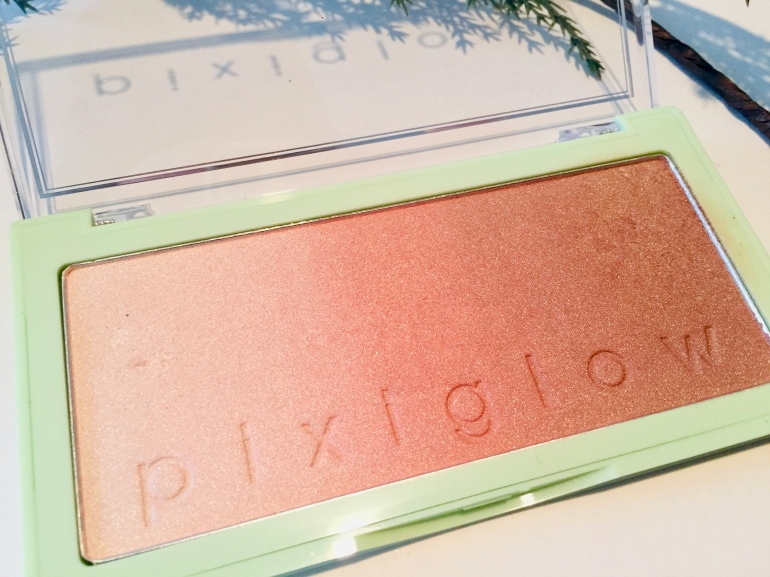 Pixi Beauty: PixiGlow Cake Review | Tayler's Edit