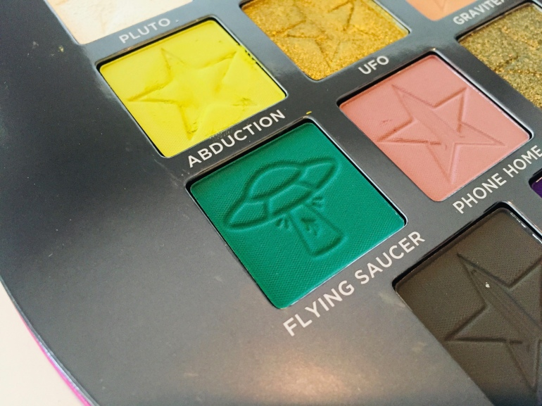 Jeffree Star Cosmetics: Alien Eyeshadow Palette Review | Tayler's Edit