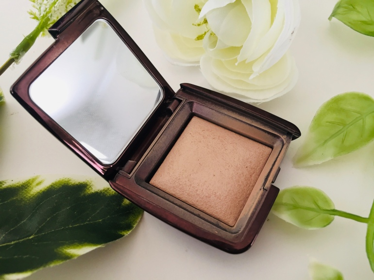 Hourglass Ambient Lighting Powder in Dim Light | Tayler's Edit